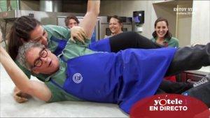 Vicky Martín Berrocal y Boris Izaguirre celebrando su pase a la final de 'Masterchef Celebrity'.