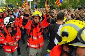 Bomberos de la Generalitat durante el paro del 3 de octubre.