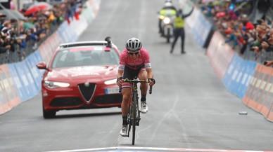 El Giro se entrega a la fortaleza de Simon Yates