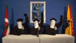ETA anuncia per carta la seva dissolució