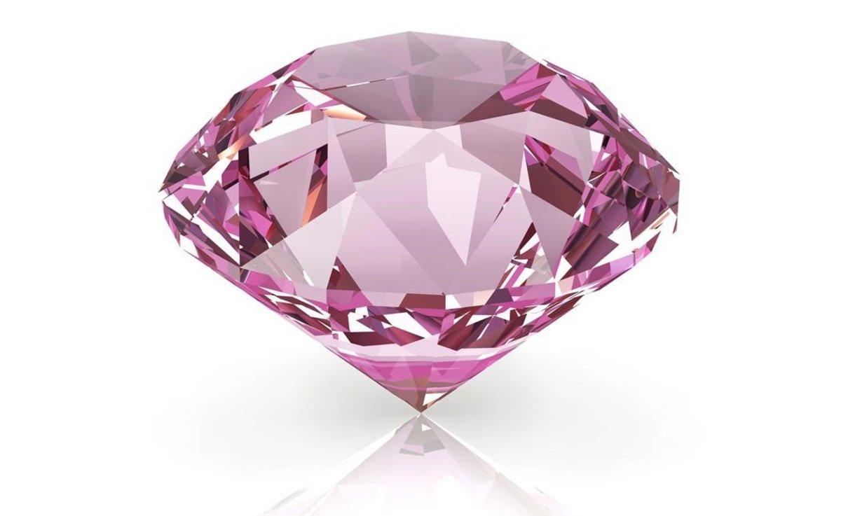 Dos lladres fan el canvi amb un diamant de 45 milions d'euros en un hotel de París