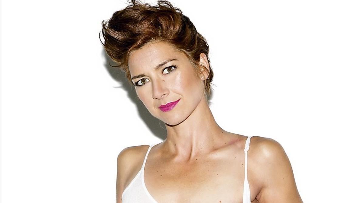 La 'runner' que va vèncer el càncer de mama, a la portada d''Interviú'