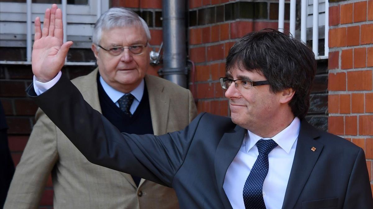 Carles Puigdemont, tras salir de la cárcel de Neumünster.