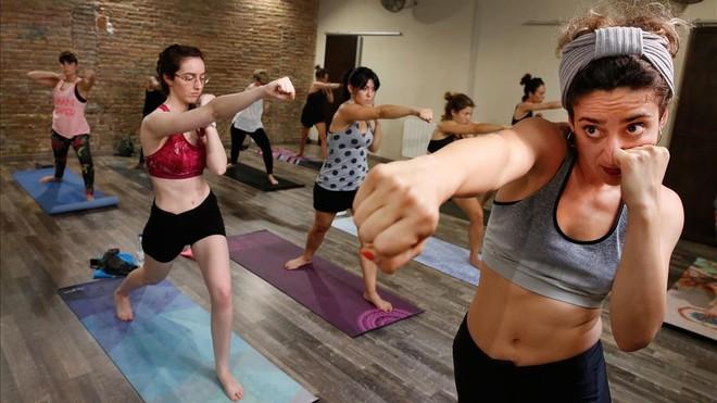 Llega el 'boxing yoga': asanas con gancho