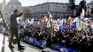 Salvini reuneix 80.000 fidels en un acte amb sabor de míting a Roma
