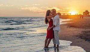 El 80% dels espanyols solters volen un amor d'estiu