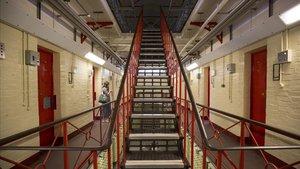 Interior de la cárcel de Reading, donde estuvo preso Oscar Wilde y que ahora sale a la venta.