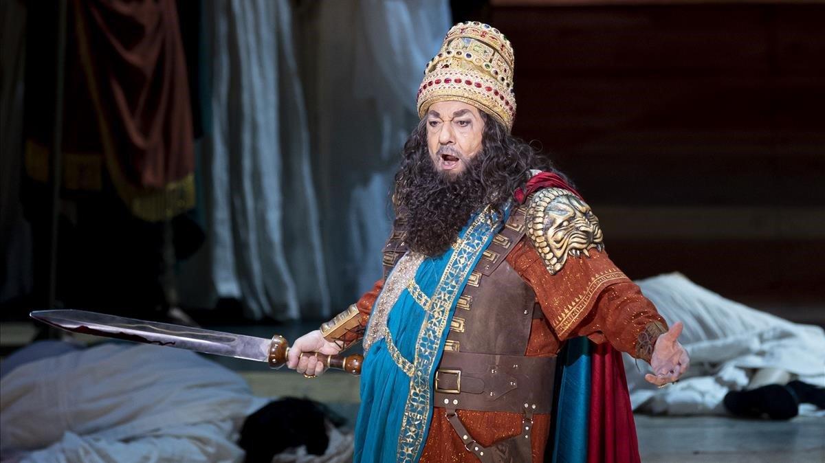 Plácido Domingo, en el ensayo general de 'Nabucco', en València, el pasado noviembre.