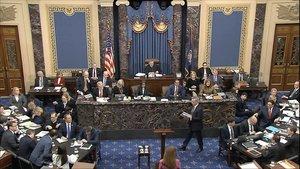 El debat sobre testimonis centra la nova fase de l''impeachment' a Trump