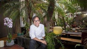El chef y propietario del restaurante Indochine,Ly Leap, en su establecimiento.