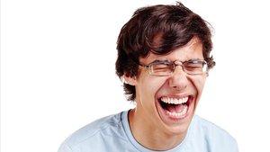 La risa se ha colado en la lista de posibles actitudes contagiosas, según un opinador televisivo.