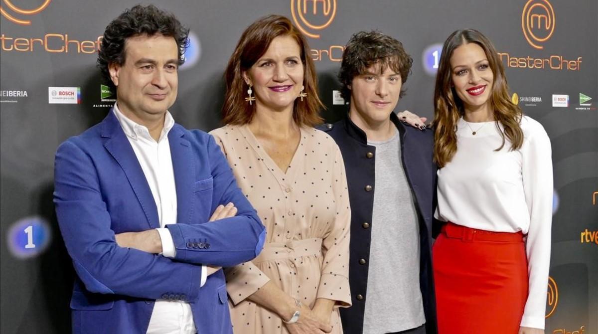 Pepe Rodríguez, Samantha Vallejo-Nágera, Jordi Cruz y Eva González, en la presentación de 'Masterchef 5' en Barcelona
