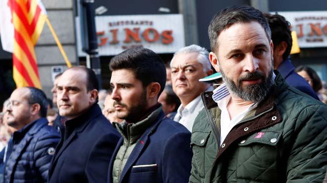 Unes 1.500 persones es manifesten a Barcelona per la unitat d'Espanya