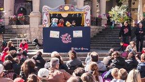 Un espectáculo de marionetas en el Poble Espanyol.
