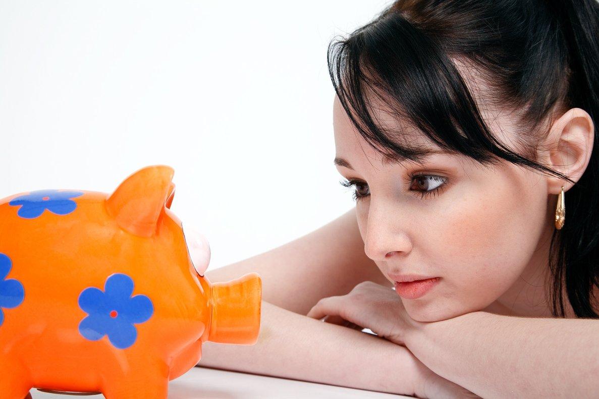 ¿Dónde meto mi dinero si estoy empezando a ahorrar?