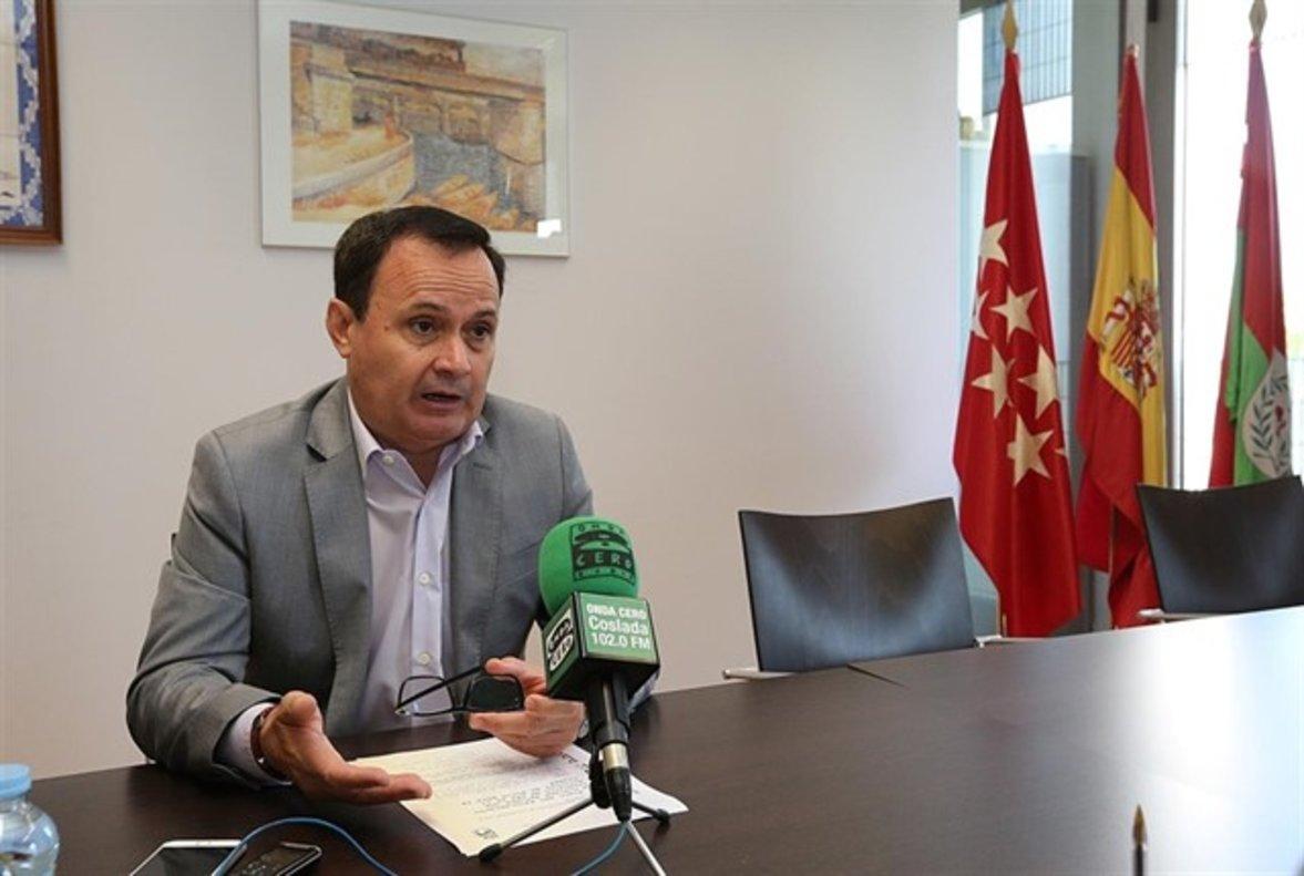 El alcalde de Coslada, Ángel Viveros.