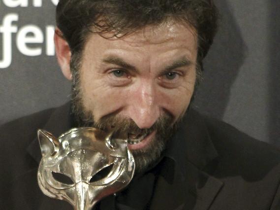 Antonio de la Torre, con su premio.