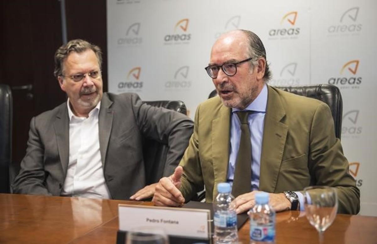 Phillippe Salle, izquierda, y Pedro Fontana durante la presentación de los resultados de Elior y Areas.