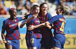 Las jugadoras del Barça celebran un gol en un partido de Liga.