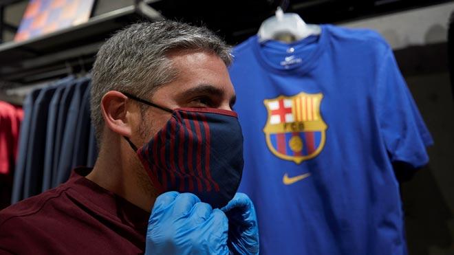 El Barça vende mascarillas inspiradas en los colores del equipo.