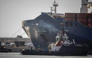 El buque Bahri Abha, atracado en el puerto de Sagunto.