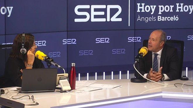 El ministro de Justicia, Juan Carlos Campo, ha dicho este jueves sobre la ausencia por vez primera del rey en la entrega de despacho a los nuevos jueces en Barcelona que hay momentos en los que hay que sacrificar algo en pro de algo más seguro.
