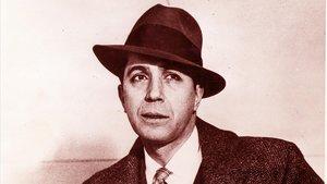 CARLOS GARDELMurió en 1935 en un accidente aéreo, pero aún sonaban la famosa 'Volver' y la no menos mítica 'El día que me quieras'.