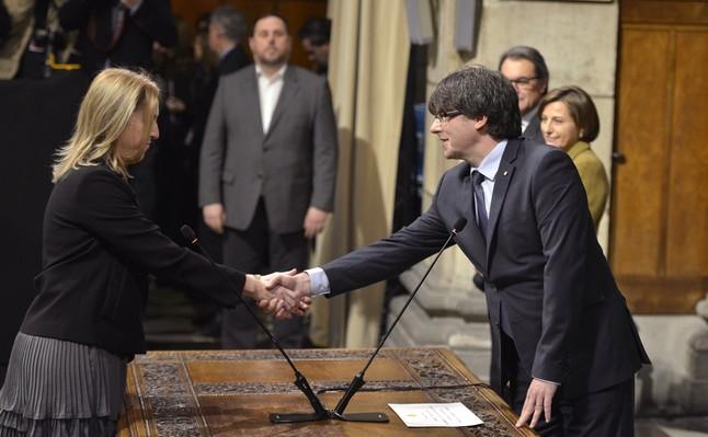 La consellera de Benestar Social, Neus Munté, toma posesión del cargo.