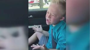El vídeo d'un nen amb síndrome de Down cantant un èxit de Whitney Houston es torna viral
