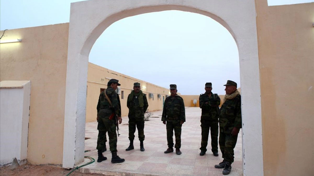 La ministra de Defensa en funciones, Margarita Robles, expresa la preocupacióndel Gobierno por la información muy precisa sobre la amenaza de atentado terrorista en el Sáhara Occidental.
