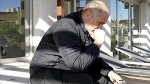 El escritor mexicano Guillermo Arriaga, en una azotea de Barcelona.