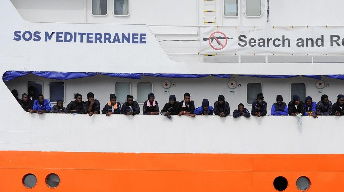 España acogerá a los 629 inmigrantes del buque Aquarius rechazados por Malta e Italia.