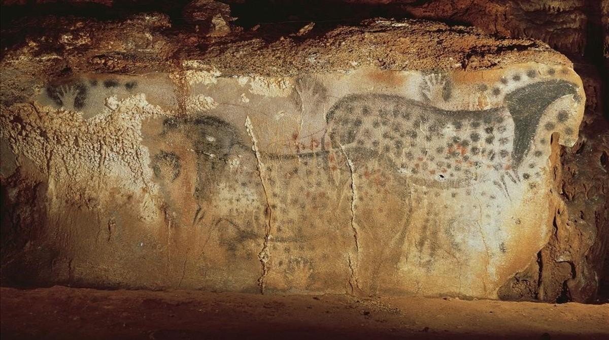 Pinturas rupestres en la cueva de Pech Merle.