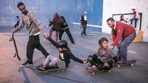 Taller de 'skate', en el parque dela Trinitat.