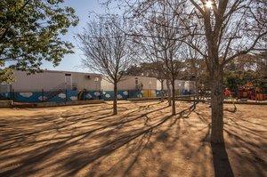 La Escuela del Bosc se ubica actualmente en módulos prefabricados.