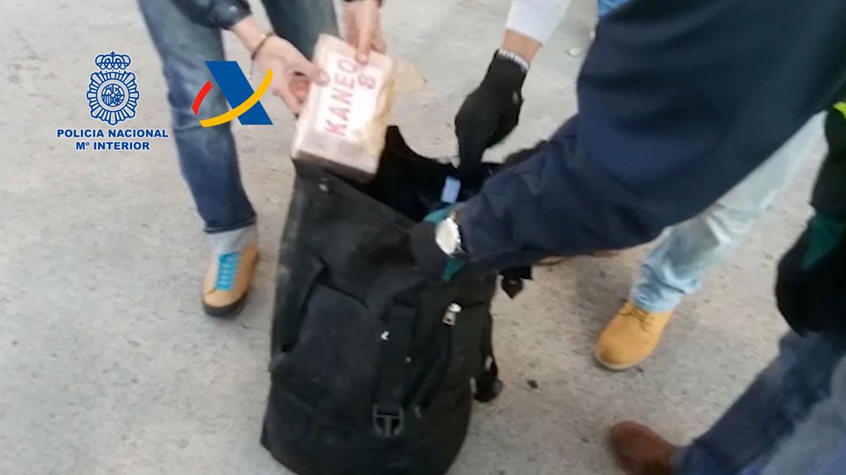 Intervenidas más de cinco toneladas de cocaína en tres contenedores del Puerto de Barcelona.