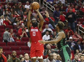 Harden anotó 9 de 18 intentos de triples.