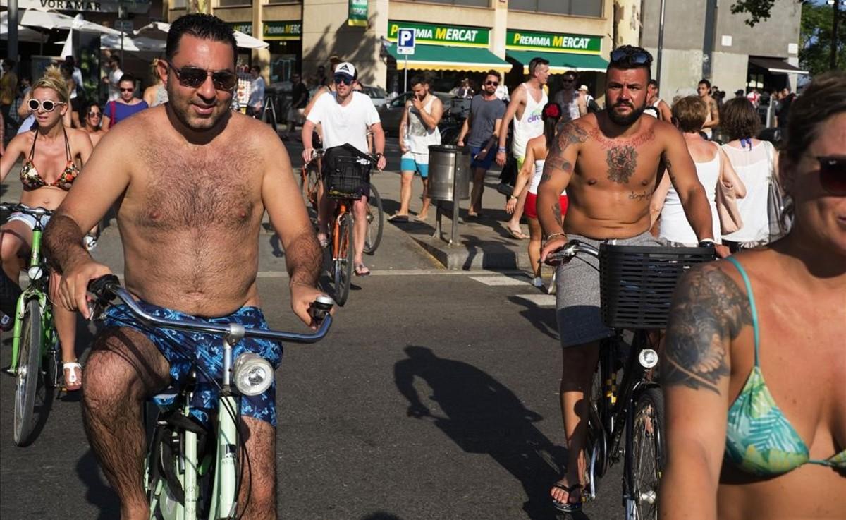 El turisme ja és vist com el principal problema pels barcelonins