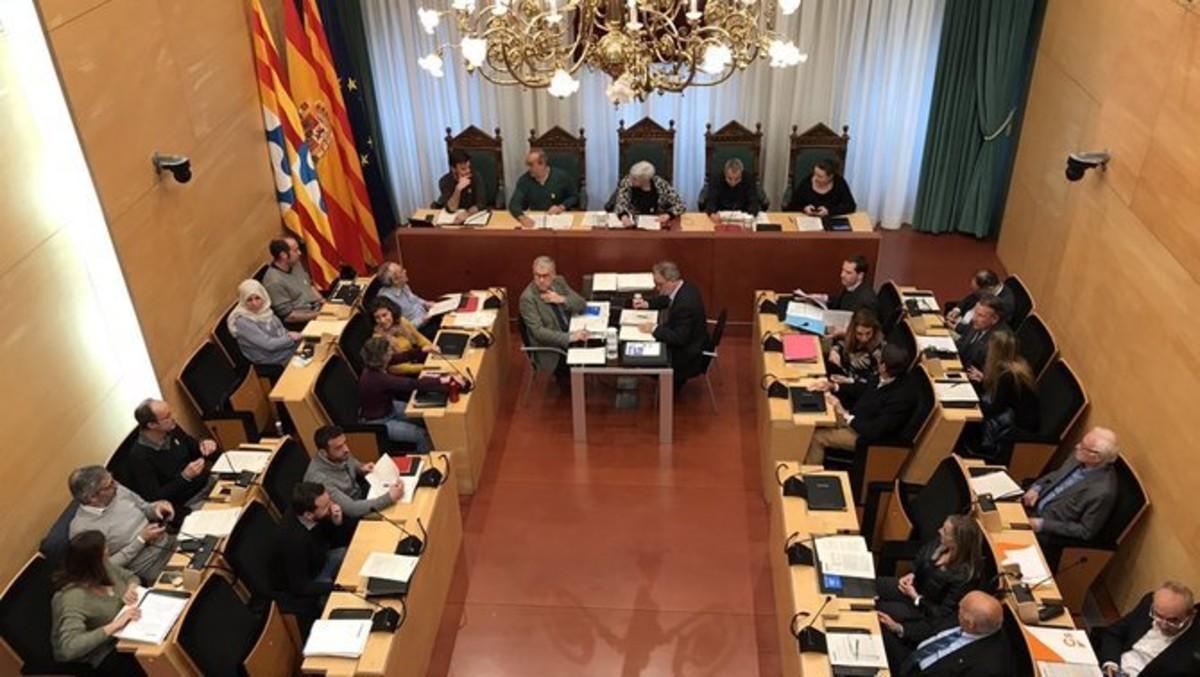 Pleno del Ayuntamiento de Badalona reunido este martes.
