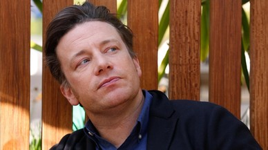 Jamie Oliver, el chef de la paella con chorizo, bendice ahora el pastel de espaguetis carbonara