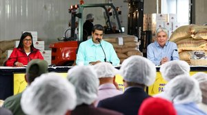 Maduro, durante una rueda de prensa en una visita a un centro de producción de cacao.