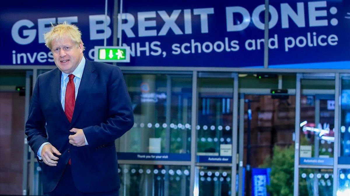 Boris Johnson en la entradadel centro de convenciones de Manchester donde se celebra el Congreso del Partido Conservador.