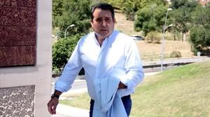 Manuel Bustos llega a los juzgados de Terrassa para declarar por una pieza separada del caso Mercuri.