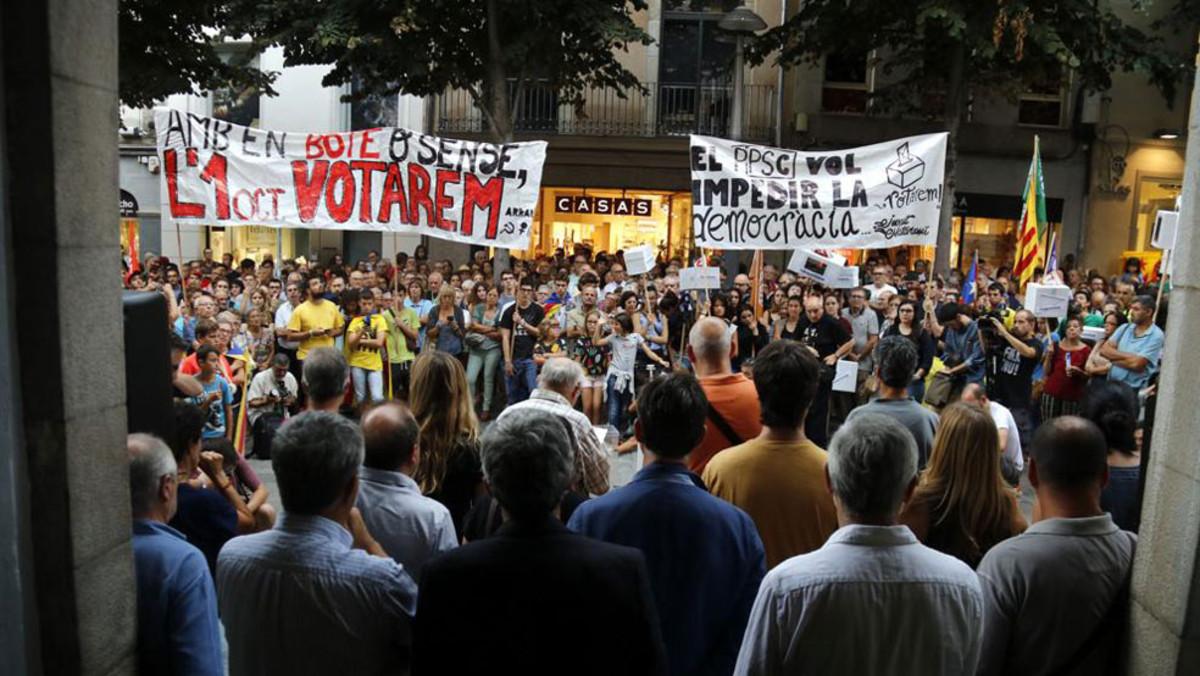 Manifestacióa favor del referèndum a Mataró.
