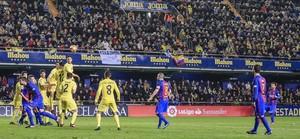 Messi marca magistralmente de falta el empate en el Villarreal-Barça.