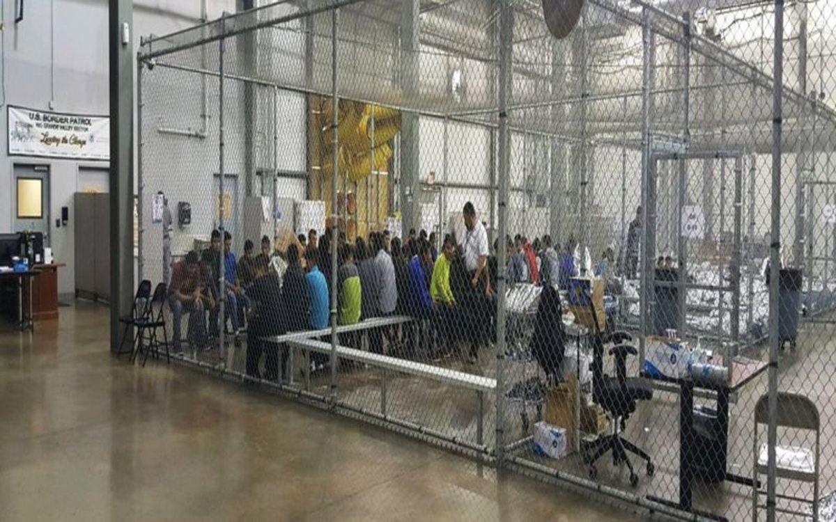 Els EUA mantenen detinguts 200 nens immigrants a la frontera amb Mèxic