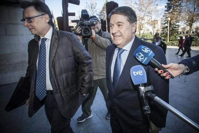 Olivas el pasado mes de junio cuado iba a declarar en Valencia