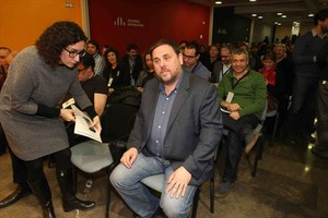 Oriol Junqueras, en un consejo nacional de ERC, junto a Marta Rovira.