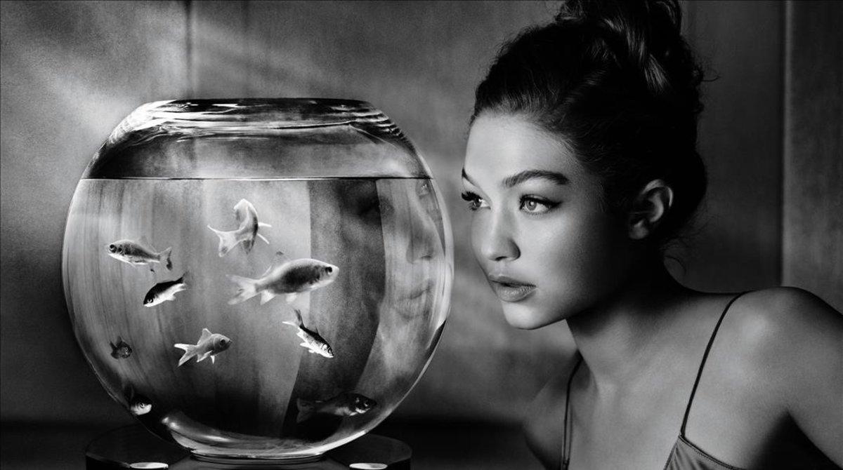 La modelo Gigi Hadid protagoniza el calendario Pirelli 2019.