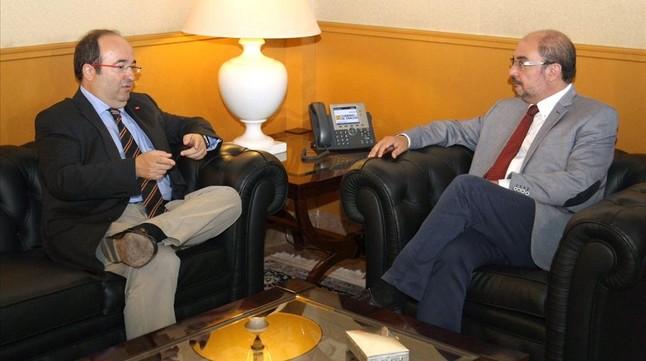 El presidente aragonés, el socialista Javier Lambán, y el líder del PSC, Miquel Iceta, este miércoles, 2 de septiembre, en Zaragoza.